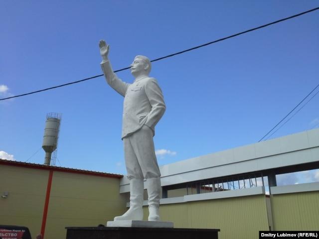 Новый памятник Сталину