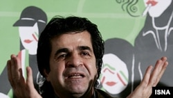 آقای جعفر پناهی همچنان در زندان به سر می برد.