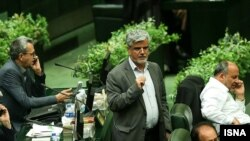 Mahmoud Sadeqi, on the floor of the Iranian parliament, Majles. File photo