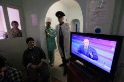 Изъяны доклада о Болотной, дележ картин на прямой линии Путина, нужны ли субботники?