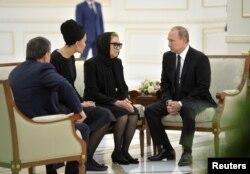 Владимир Путин выражет соболезнования вдове Ислама Каримова и его дочери Лоле