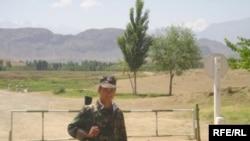 Душанбе расмийларига кўра¸ чегаранинг Тожикистон томонида ҳеч қандай муаммо йўқ.