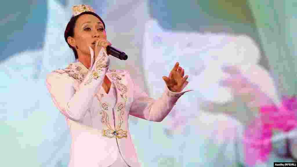 Лилия Хәсәнова