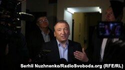 Василь Філіпчук під час обшуку в Центрі перспективних досліджень
