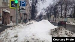 Казан үзәгендәге түләүле машина кую урынында кар өеме