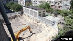 Armenia - A controversial construction site in Yerevan, 22Aug2013.
