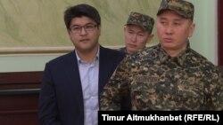 Бұрынғы ұлттық экономика министрі Қуандық Бишімбаев сотта отыр. Астана, 8 қаңтарда 2018 жыл.