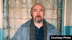 Арон Атабек тергеу изоляторында. Алматы, 2007 жыл, ақпан.