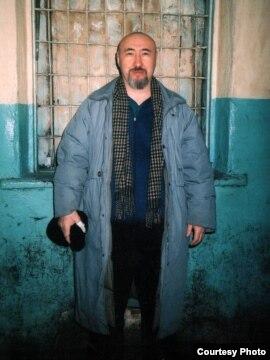 Диссидент Арон Атабек вАлматинском СИЗО, вскоре после осуждения на18 лет тюрьмы. Февраль 2007 года.