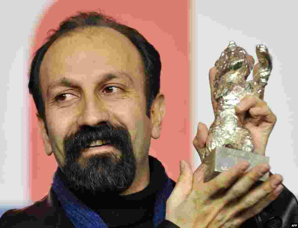 جایزهای که دو سال پیش در دستان اصغر فرهادی دیگر کارگردان ایرانی قرار گرفت