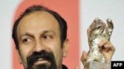 Асгар Фархади (Иран) с призом за лучшую режиссуру