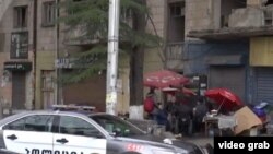 Все то немногое, что служило этим людям мебелью и домашней утварью, теперь «украшает» одну из центральных улиц грузинской столицы Меликишвили. Тут же топят дровяную печь, чтобы согреться и приготовить еду