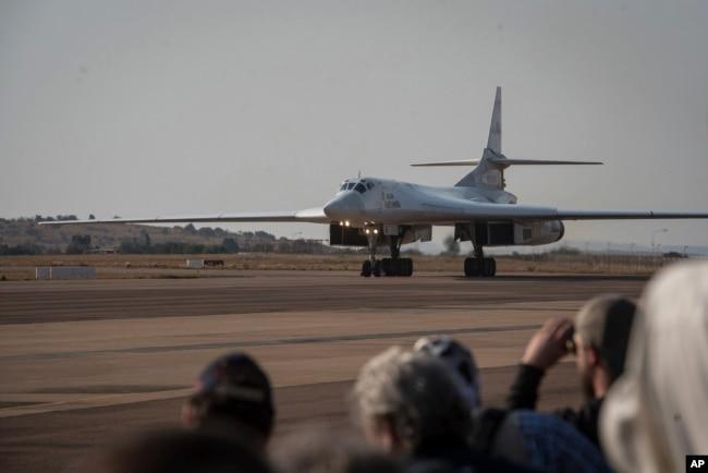 Визит группы стратегических бомбардировщиков Ту-160 ВКС России в ЮАР. 23 октября 2019 года