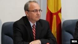 Министерот за одбрана на Македонија Зоран Јолевски