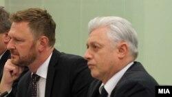 Заменик - министерот за европски прашања во МНР на Чешка и државниот секретар во МНР на Словенија, Изток Мирошич.
