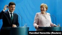 Президент України Володимир Зеленський і канцлер Німеччини Ангела Меркель, Берлін, Німеччина, 18 червня 2019 року