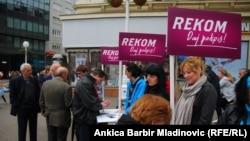 Prikupljanje potpisa za REKOM, Zagreb, travanj 2011