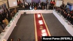 ارشیف، د افغانستان د ټاکنو خپلواک کمېسیون کې د انتخاباتو په اړه یوه غونډه