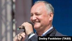 Președintele Igor Dodon a promulgat controversatul pachet de reforme fiscale