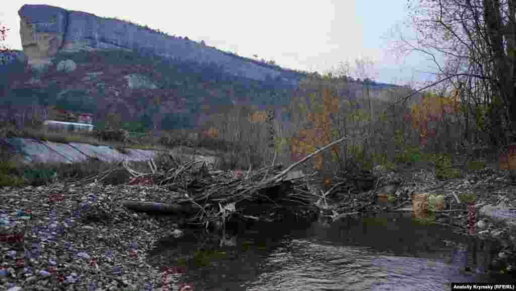Річка Кача після нещодавніх злив у горах