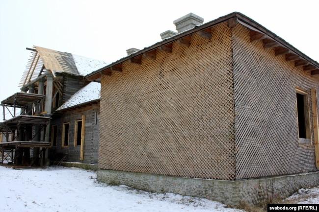Аднаўленьне радавой сядзібы Напалеона Орды каля Варацэвічаў