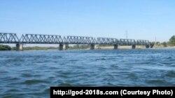 Трансграничный мост между Россией и Китаем