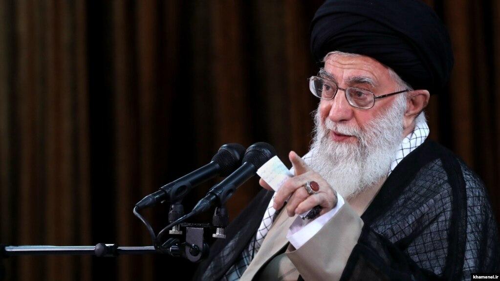 خامنهای از تهدید حسن روحانی درباره بستن تنگه هرمز حمایت کرد