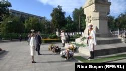 Președintele Igor Dodon și lidera Parlamentului, Zinaida Greceanîi la ceremoniile de Ziua Independenței, Chișinău, 27 august 2020
