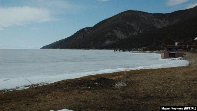 Зимняя дорога от Больших Котов до Листвянки по льду Байкала