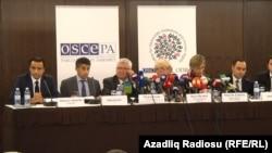Ադրբեջանի նախագահական ընտրությունների հաջորդ օրը ԵԱՀԿ-ի դիտորդները ասուլիս են տալիս Բաքվում