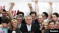 Partia Përparimtare Serbe, me fituesin e saj Tomisllav Nikolliq