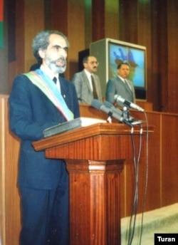 Əbülfəz Elçibəyin andiçmə mərasimi, 1992