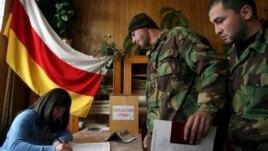 Союз ветеранов ополчения Южной Осетии объединяет участников боевых действий за свободу Осетии всех 20 лет борьбы за независимость от Грузии. У ветеранов накопилось немало вопросов к действующей власти