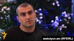 Յուրա Մովսիսյանը հարցազրույց է տալիս «Ազատություն» ռադիոկայանի հայկական ծառայությանը, Երեւան, 30-ը դեկտեմբերի, 2011թ.