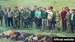 В скандальном письме на сайте КПРФ особо подчеркивается, что несогласные влиться в «Единую Россию» работники Кольской ГМК будут немедленно попадать под сокращение.