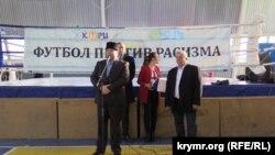 Выступление главы Крымскотатарского ресурсного центра Эскендера Бариева на открытии футбольного турнира в Крыму