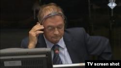 Manojlo Milovanović u sudnici 20.9.2013.