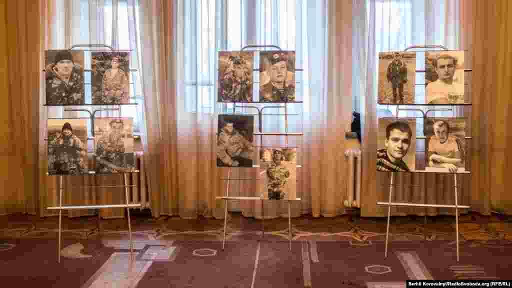 Портрети легендарних «кіборгів», що назавжди залишилися під завалами нового терміналу Донецького аероппорту