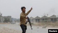 Поддръжниците на правителството в Триполи отбиват атаките на милициите на маршал Хафтар в околностите на столицата от почти година