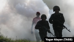 «Під час кризи або війни Росія може використовувати Білорусь як плацдарм і розмістити там свої війська», – йдеться в доповіді