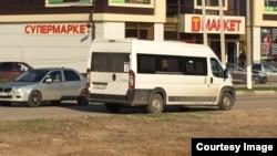 Микроавтобус, на котором скрылись нападавшие