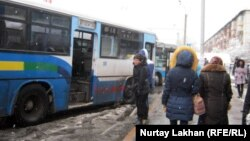 Алматыдағы жолаушы тасымалдайтын автобус көліктері. (Көрнекі сурет)