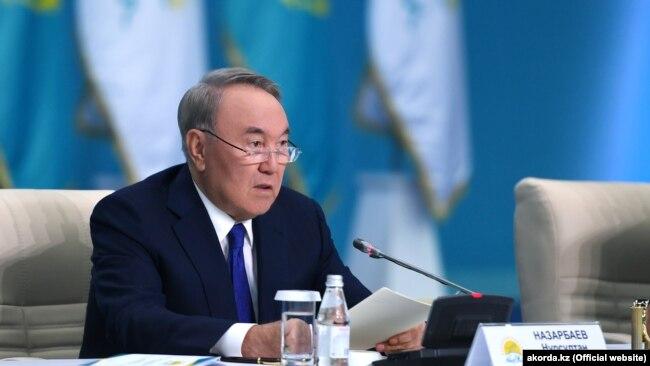 Назарбоев президенти фахрии Шӯрои туркон шуд