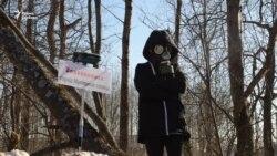Жизнь на свалке: в России требуют закрыть мусорный полигон после массового отравления детей (видео)