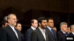 سازمان همکاری اقتصادی (اکو) امروز – بیست و هشتم نوامبر - چهاردهمین سالگرد گسترش خود را جشن میگیرد.