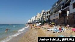 Пляж непадалёк ад Севастопалю