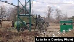 Российские военные установили у села наблюдательный пост с вышкой