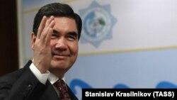 За словами Гурбангули Бердимухамедова, уряд ухвалив таке рішення, щоб продовжити «розвиток вільних ринкових відносин в економіці Туркменистану»