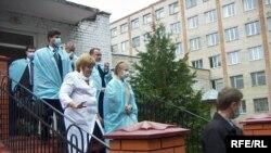 Прем'єр-міністр Юлія Тимошенко у Вінниці під час відвідання обласної дитячої лікарні