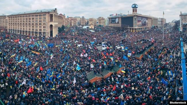 Революція гідності. Київ, майдан Незалежності, 1 грудня 2013 року